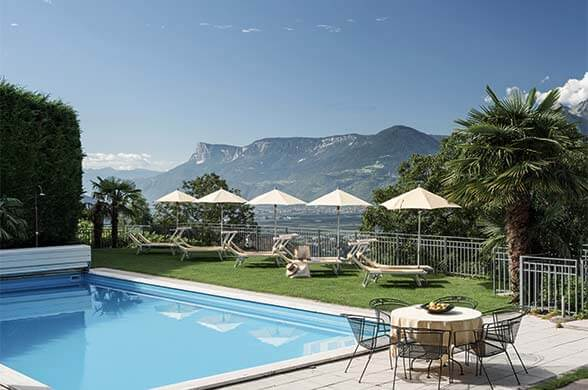 Hotel with pool a Tirlo - Dorf Tirol